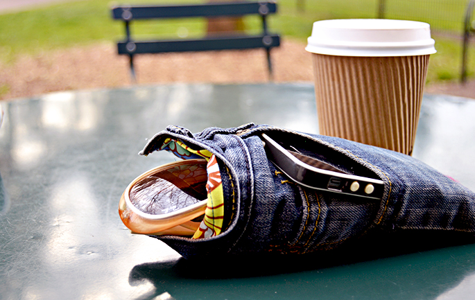 Use your old jeans to make and awesome DIY glasses case with killer pocket feature.