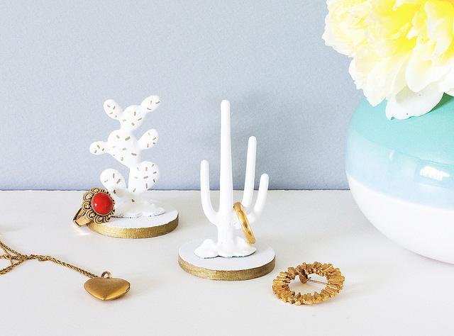 diy-faux-porcelain-cactus-ring-holder vitamin