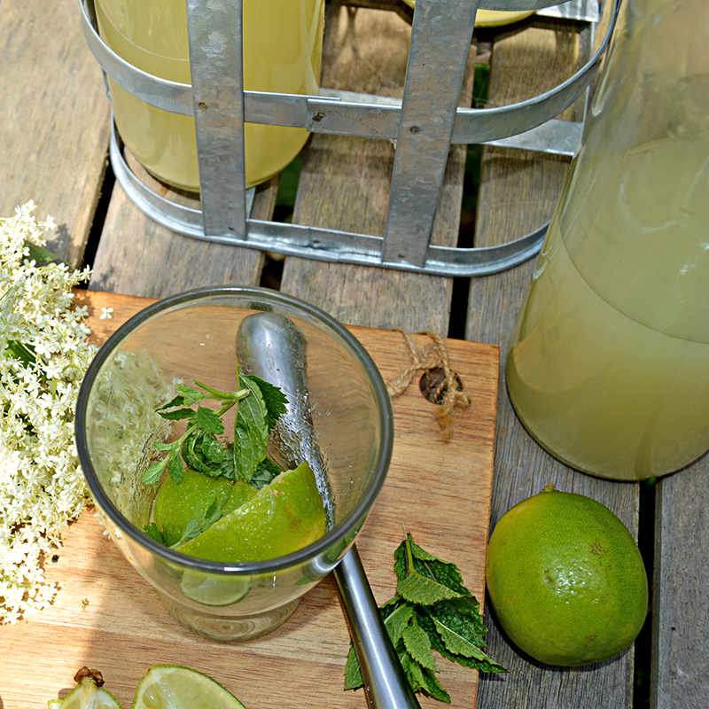 Muddled Lime and Sugar Mint