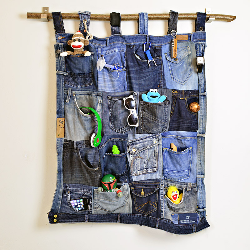 Sew Together Old Blue Jeans Pockets into a Hanging Organizer