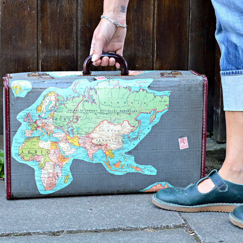 Tutorial for a vintage map suitcase