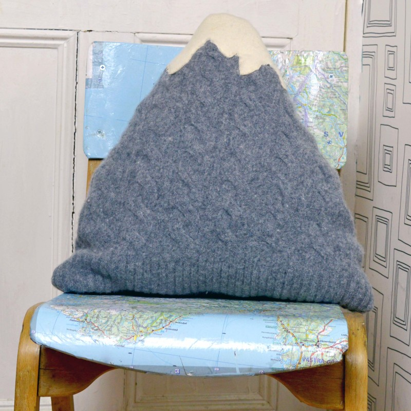 how to finish edges if upcycled sweater crafts