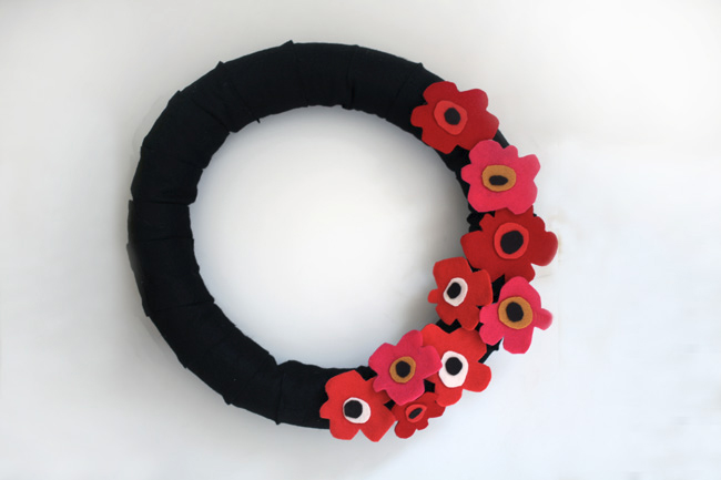 Unikko wreath