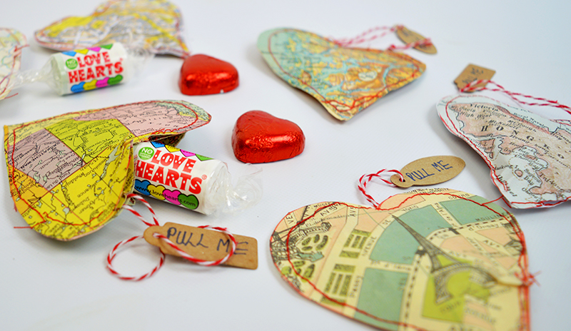 Valentines Map heart treat bags - Pillarboxblue.com