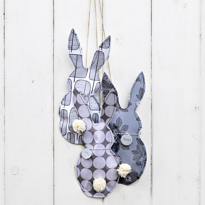 paper bunny treat bags -pillarboxblue.com