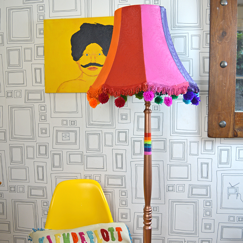 Upcycled floor lamp with spray paints  Pillarboxblue.com