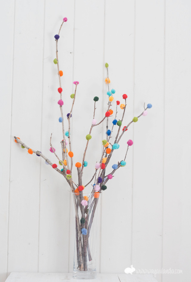 12 Great Pom Pom crafts- Pillarboxblue.com