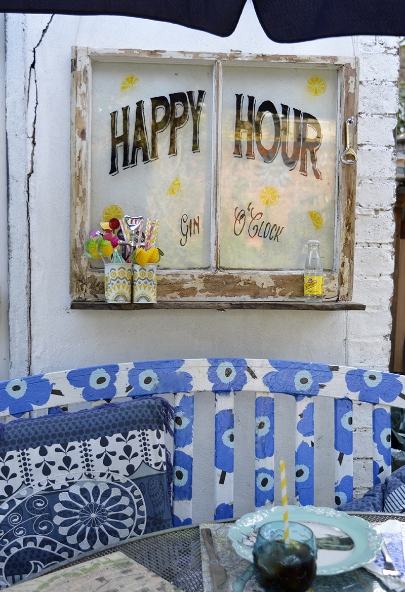 Cocktail Happy Hour Window - Pillarboxblue.com