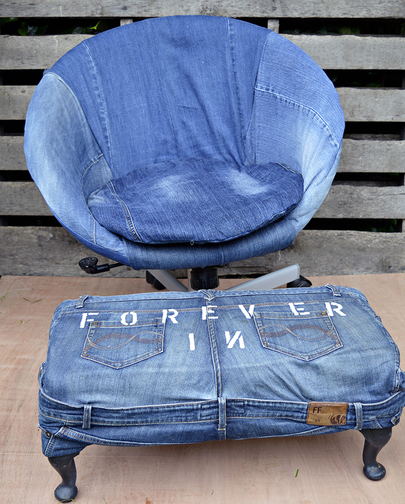 Ikea hack - upholster office chair with old jeans.  Full tutorial and easy to follow instructions