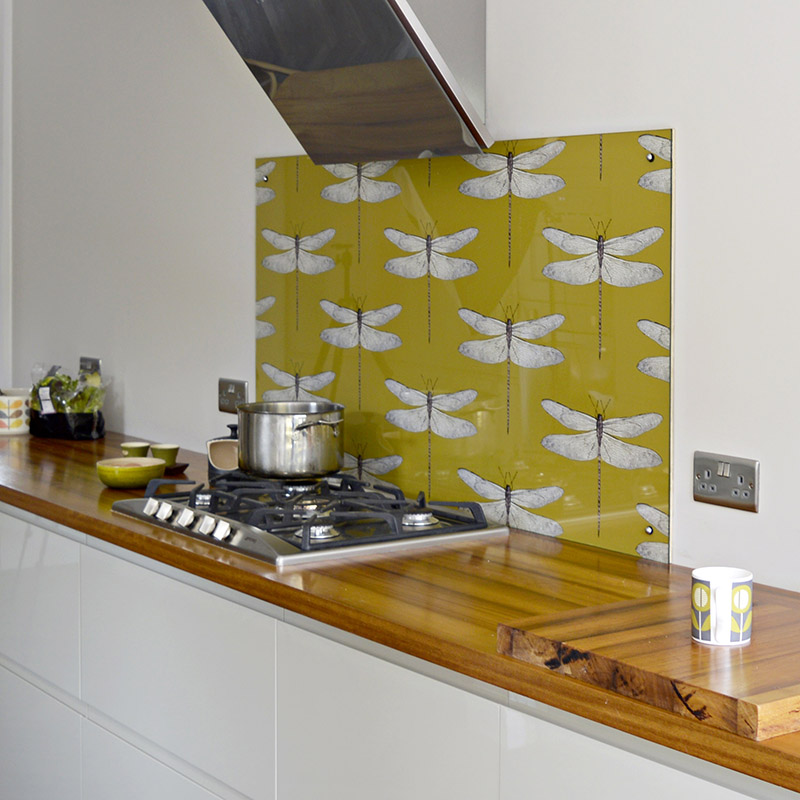 DIY Splashback with wallpaper.  Step by step guide to creating your own unique splashback.