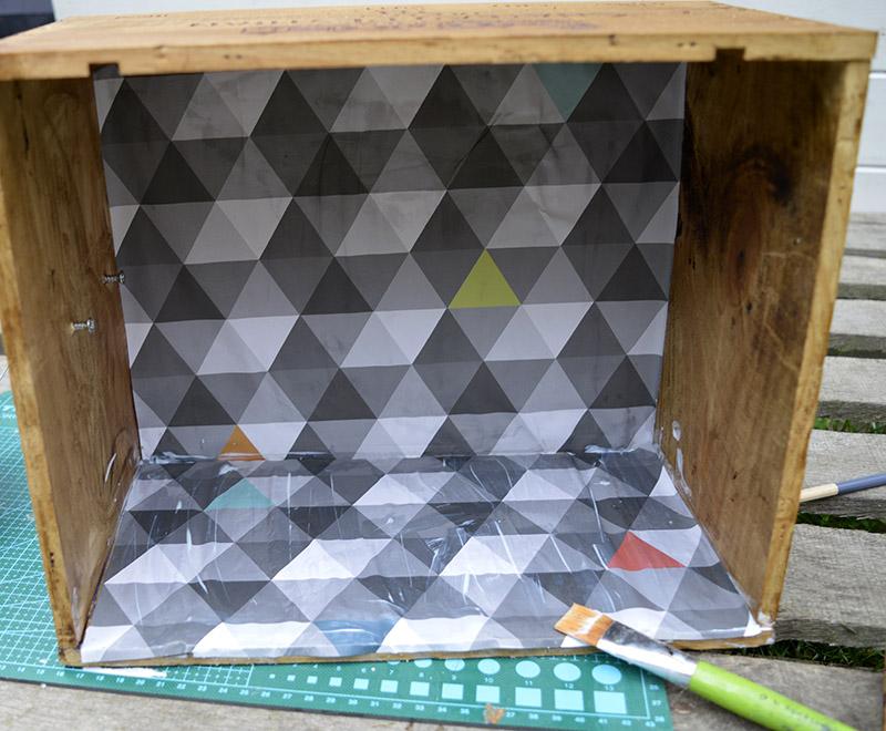 DIY Nightstand wine crate paper liner