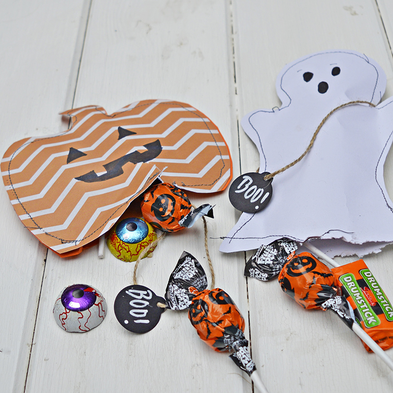 Free template to make Halloween Treats bags.  Double up as gift and decoration.