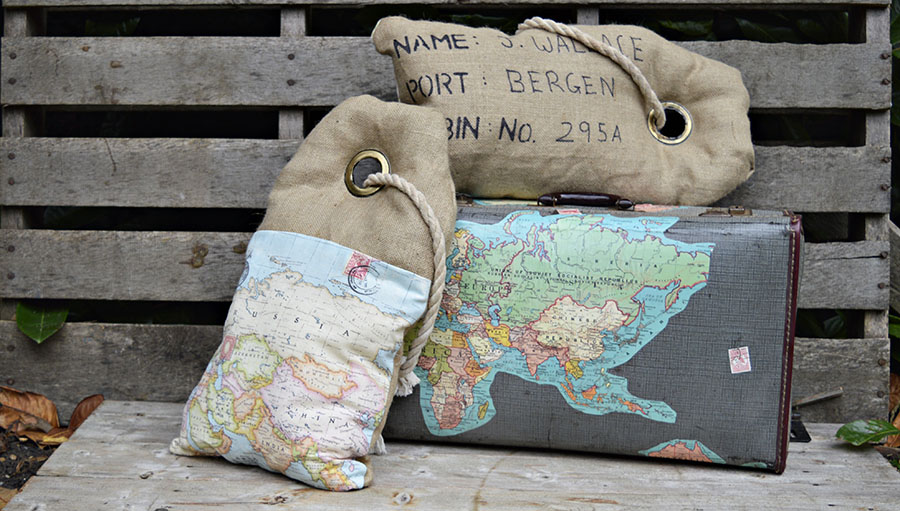 Full tutorial on how to make these unique map burlap pillows to look like luggage tags.