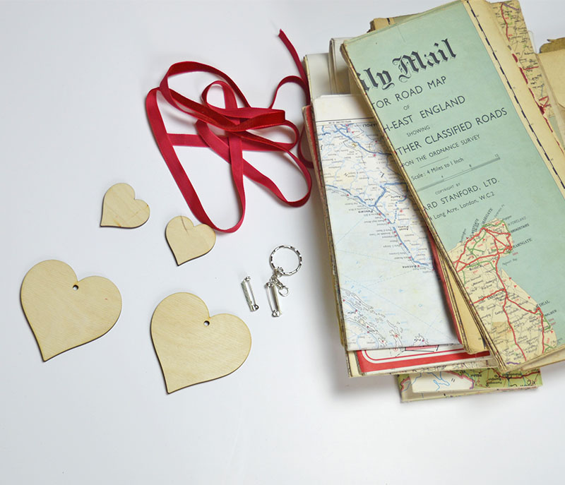 What you need to make a heart map ornament, brooches and tags.