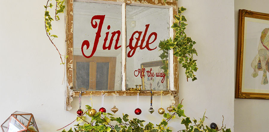 How To Make An Old Window Christmas Decoration