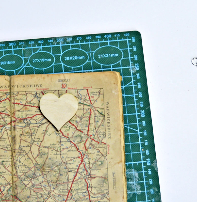 heart-map-oranment-cut-out-s