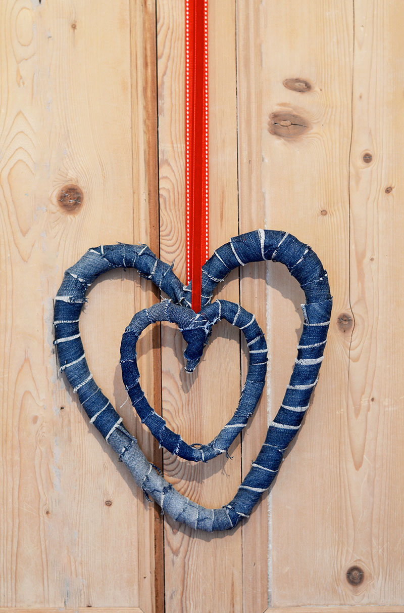 How to make rustic Denim hearts wreath decorations from upcycled old jeans.  Not just for Valentine's day