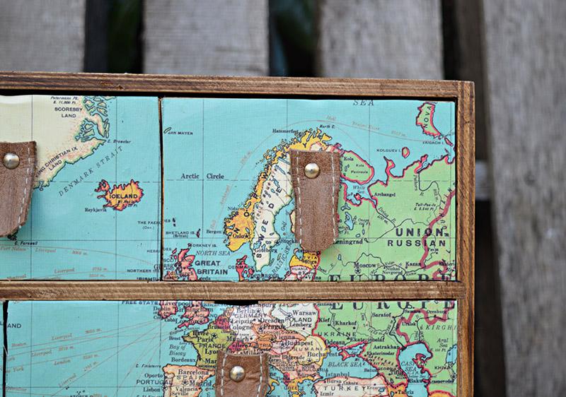 Mini Cassettiera Ikea Moppe.Simple And Brilliant Ikea Moppe Hack With Maps Pillar Box Blue