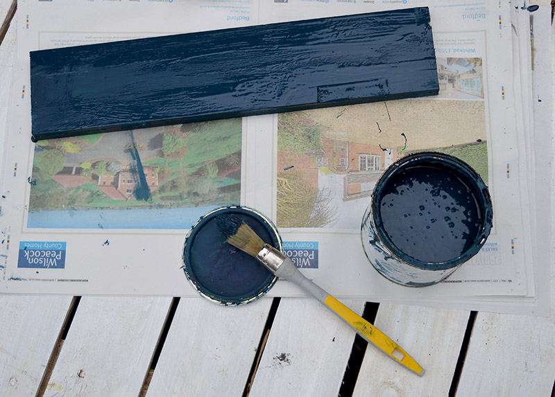 painting wooden shelf