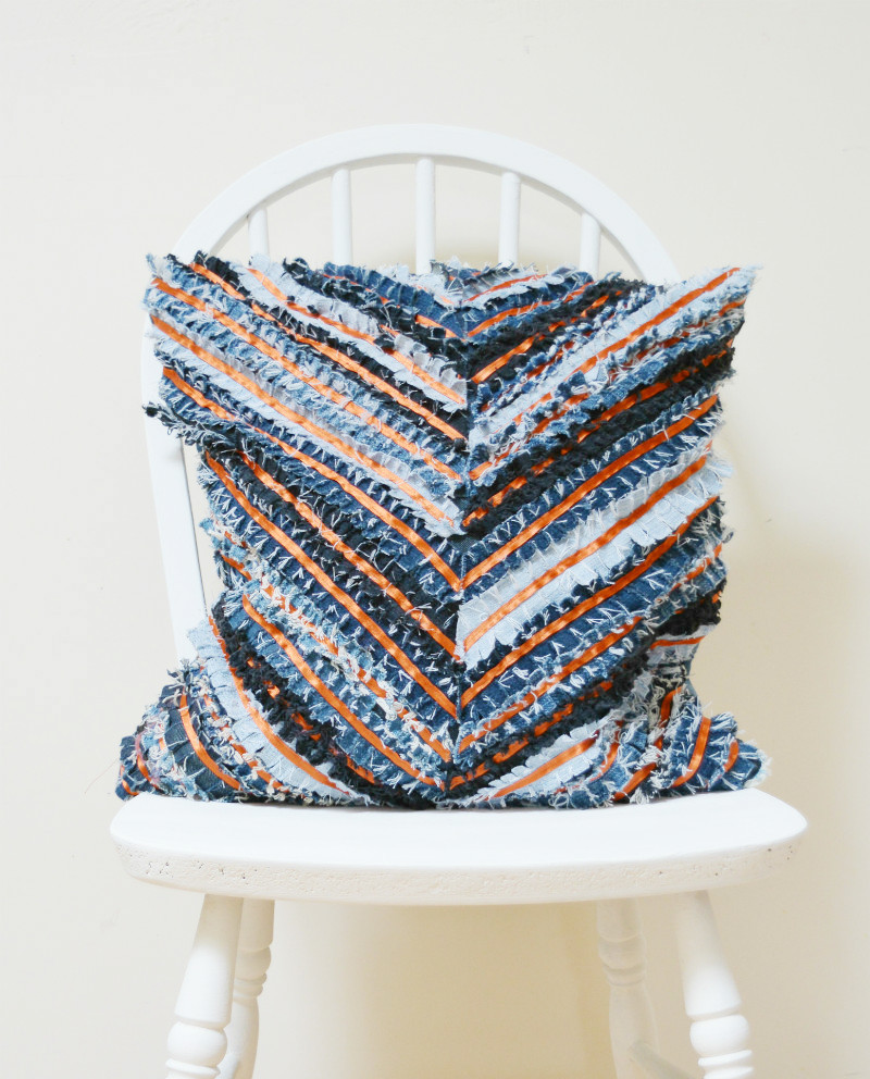 Denim-Chevron-Cushion-Cover-Tutorial