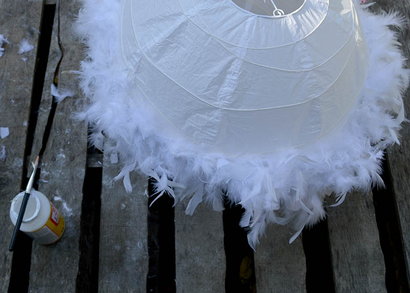 Sticking feather boa to lampshade