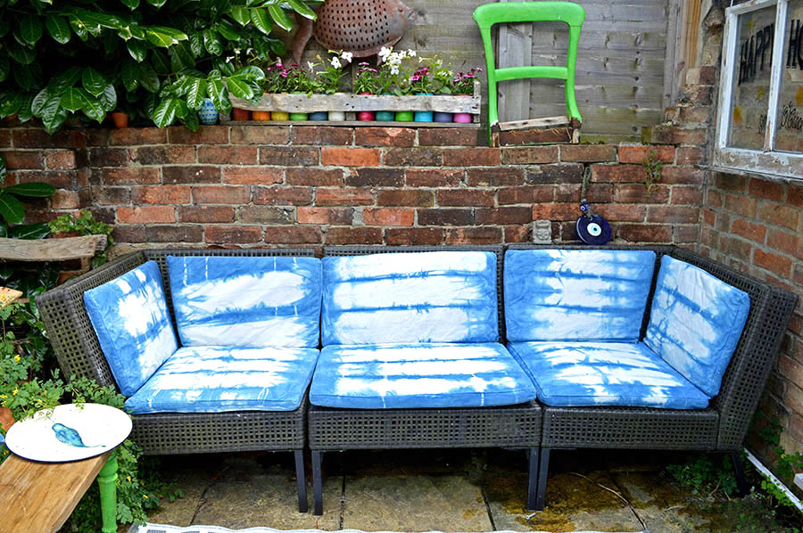 Sofa upcycle with shibori dyeing. Ikea Hack