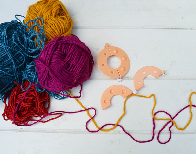Yarn and pom pom maker kit for Boho pillows DIY