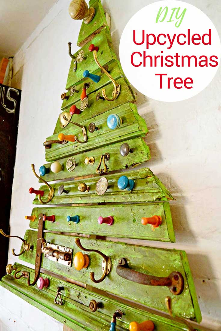 Unique diy wooden christmas tree with knobs on pillar Christmas tree ideas using recycled materials
