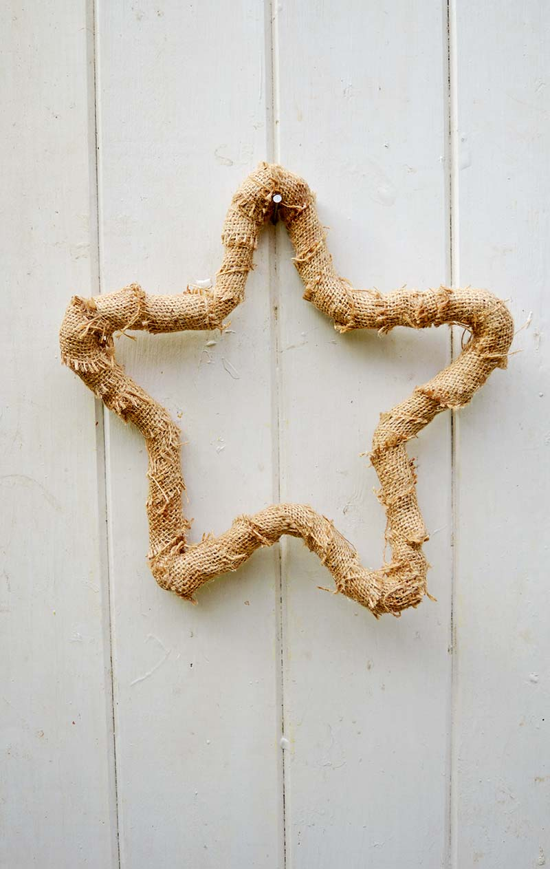 DIY burlap rustic stars, for a fabulous home decoration, fall ornament or Christmas decoration