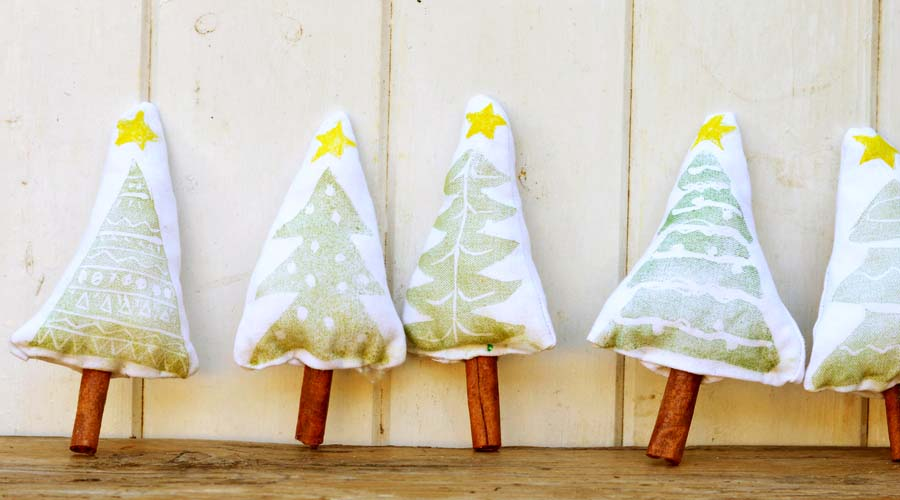How to make christmas tree stamp ornaments pillar box blue