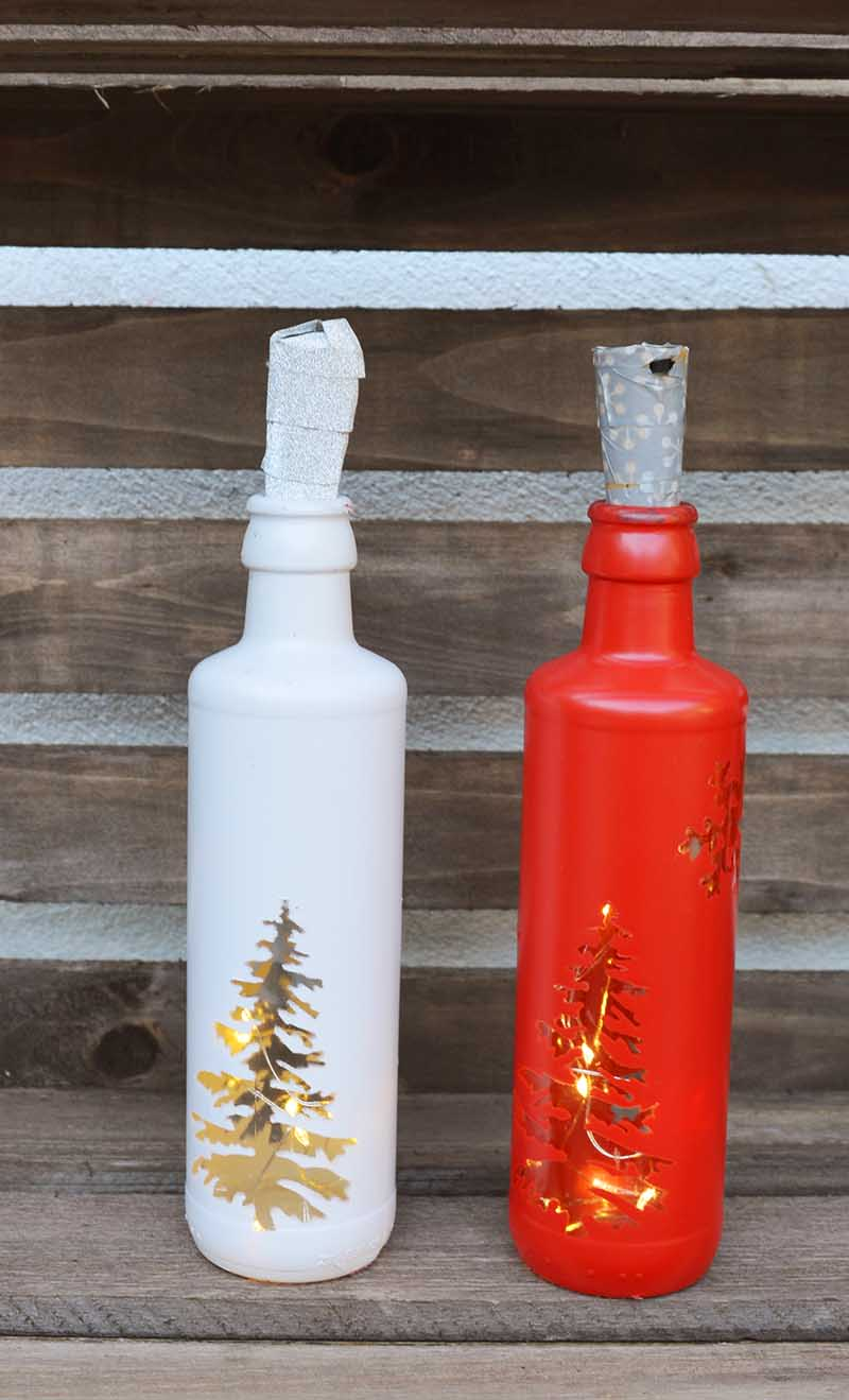 DIY Christmas bottle lights #Christmas #Christmascrafts #Christmaslights #bottlelights #lights