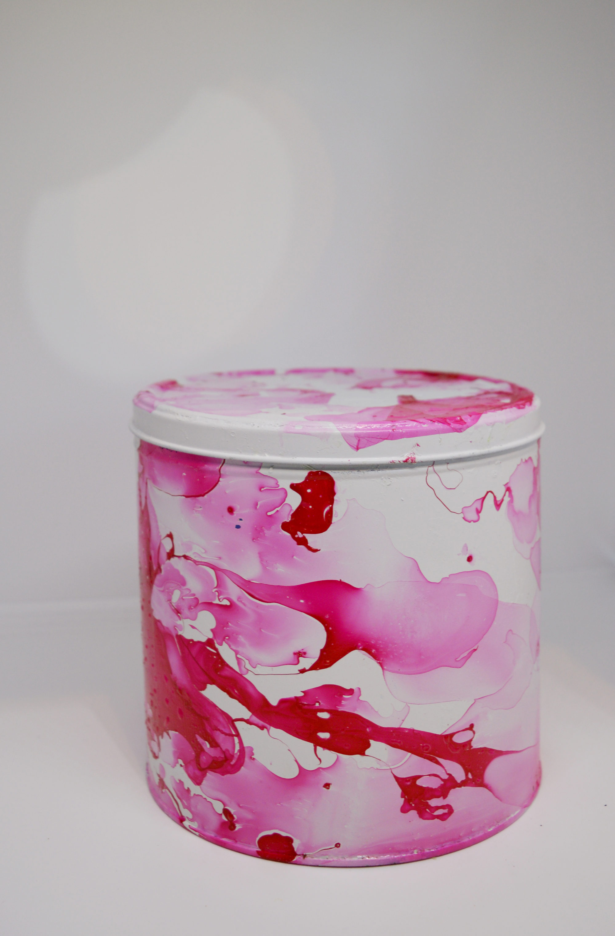 faux marble tin can