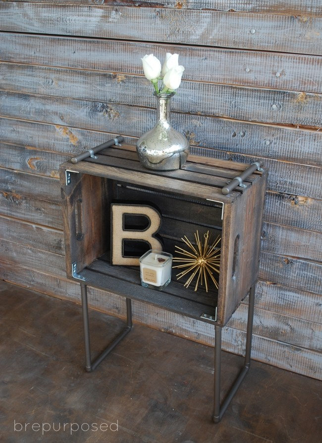 21 of the best ways to repurpose old wooden crates for Vintage wine crate coffee table