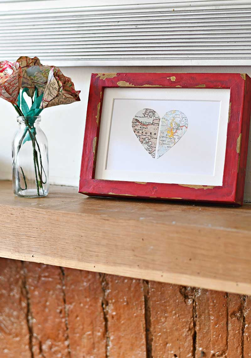 Map paper heart in IKEA ribba frame #personalizedgift #mapgift #mapheart #valentine'sgift #valentinesday