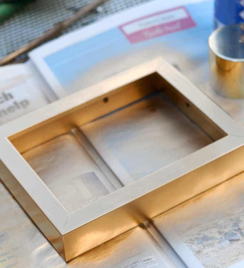 Spray painting Ribba frame gold