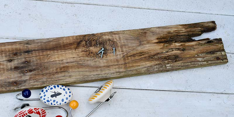 pallet wood and hooks