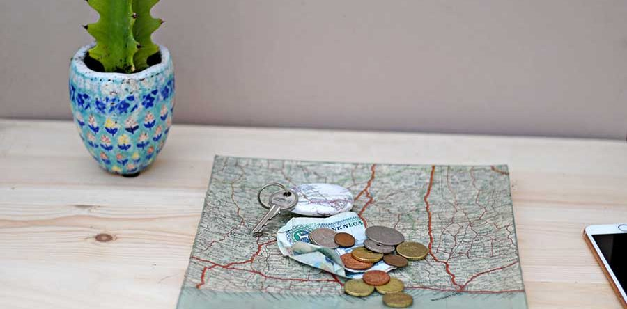 How To Make A Personalized Map Decoupage Glass Tray - Pillar Box Blue