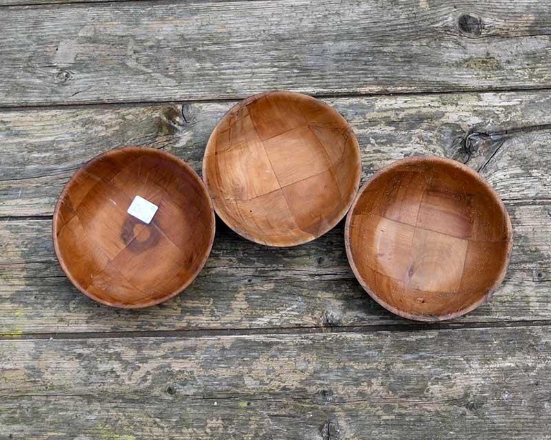 Small woven wood salad bowls