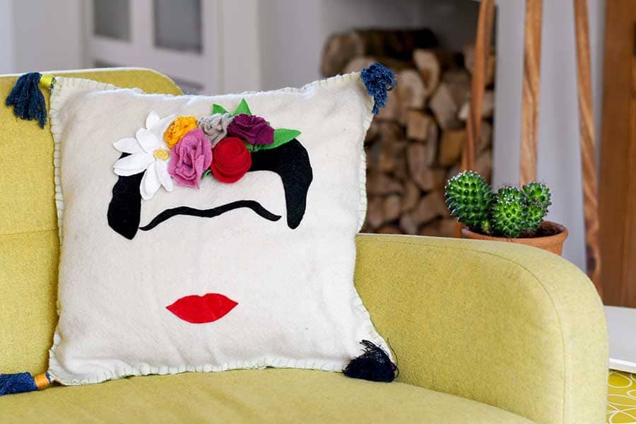 Free pattern for a Frida Kahlo Cushion