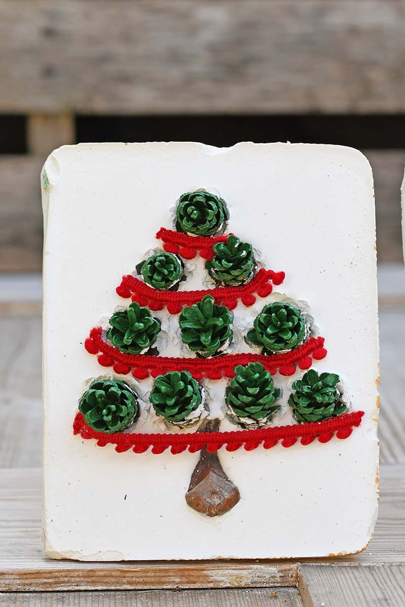 DIY plaster of Paris pinecone Christmas tree tile