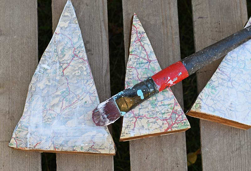 sealing map ornaments