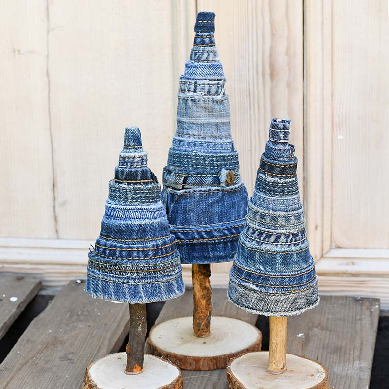 Repurpose your old denim scraps into Christmas trees.
