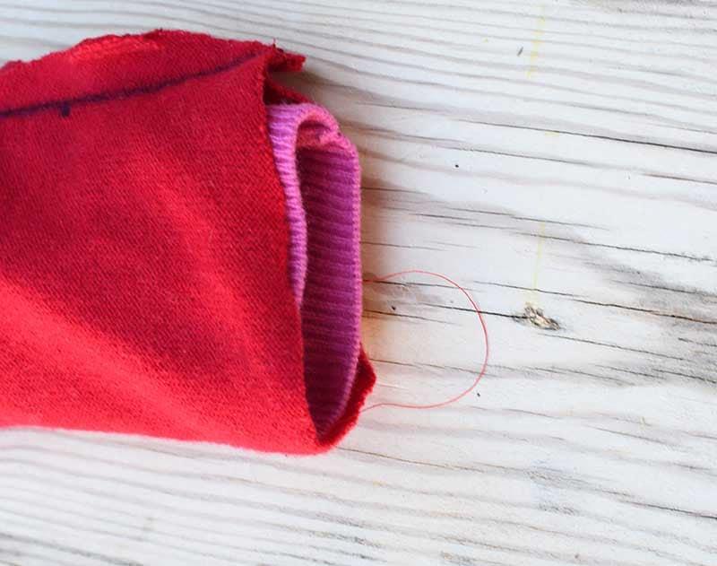making sweater knot pillow