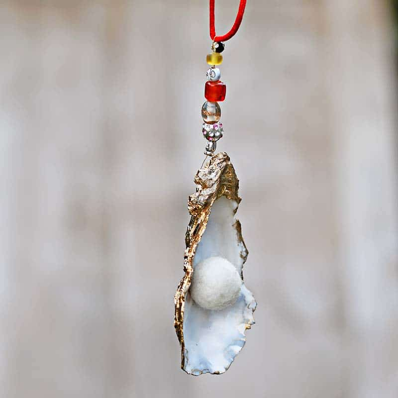 DIY christmas oyster shell ornament