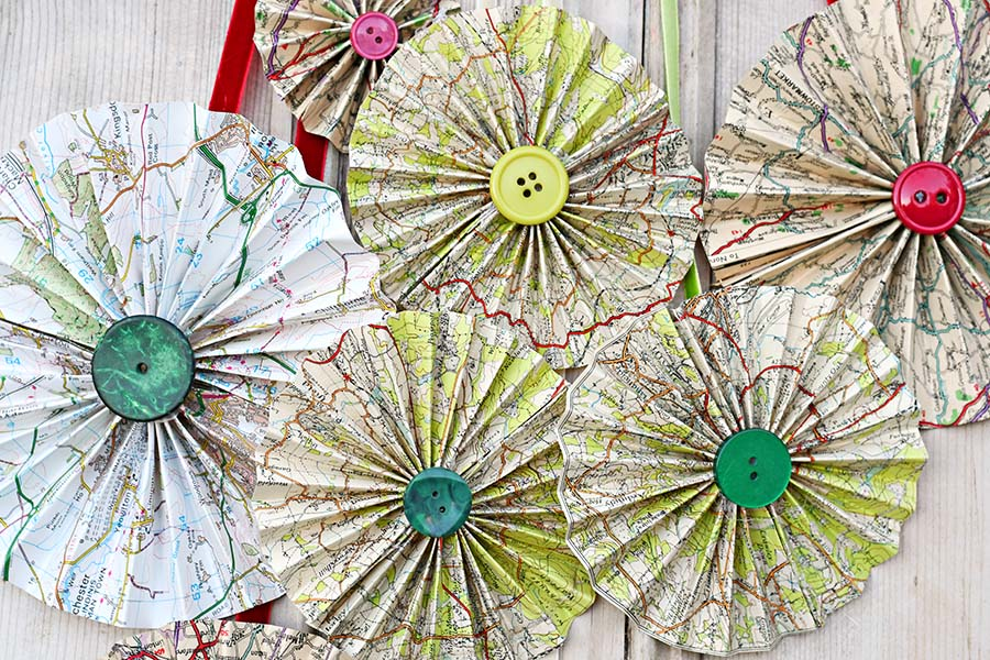 Map paper rosettes decorations