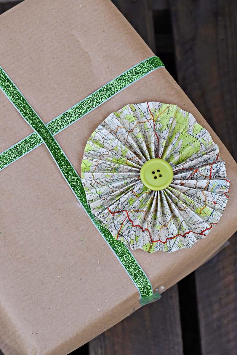 Map paper rosette gift topper