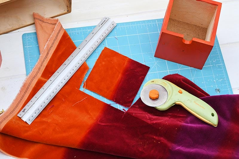 Cutting the velvet fabric