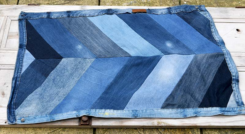 Finished chevron denim rug