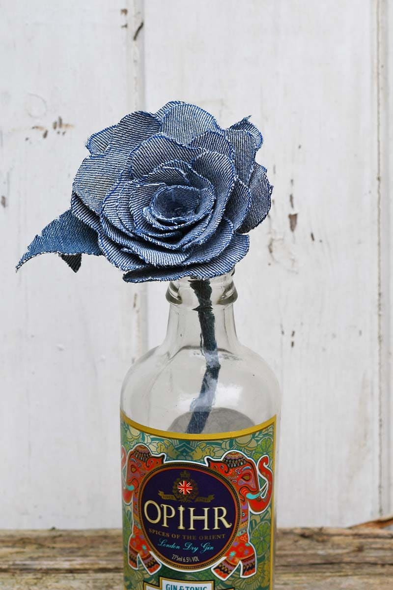 single denim rose