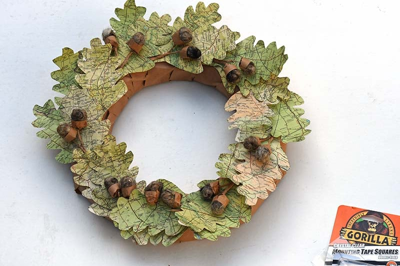 map leaf paper wreath